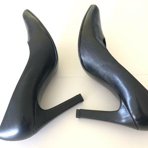 Kenneth Cole New York Made in Spain High Heels 8.5